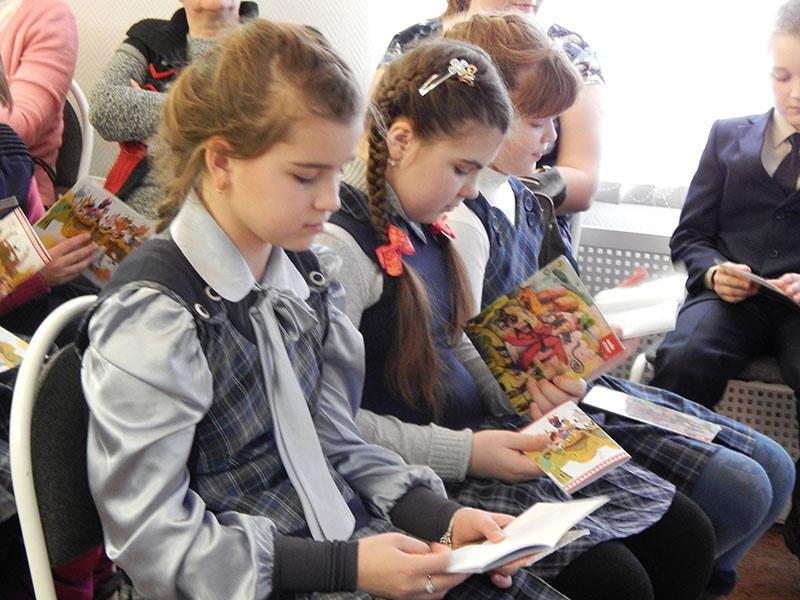 Выставка детских книг «Волшебный мир персидской сказки» в рамках Международного дня книгодарения В Нижнем Новгороде